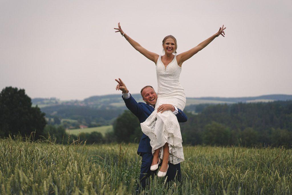pohodová svatba Sabiny a Davida v Jižních Čechách